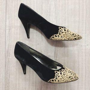 Stuart Weitzman Satin Gold Black Pointy Heels